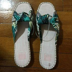 New Dolce Vita Benicia Sandals